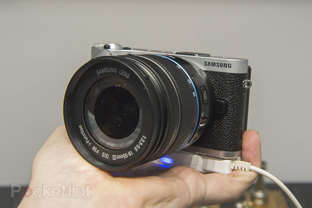 Samsung NX300 pictures and hands-on - photo 1