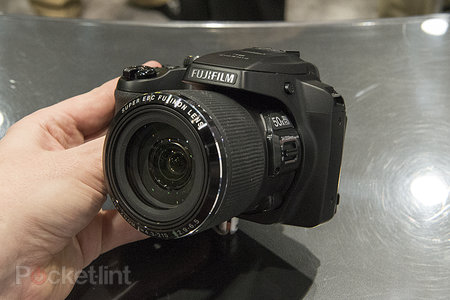 Fujifilm FinePix SL1000 superzoom pictures and hands-on