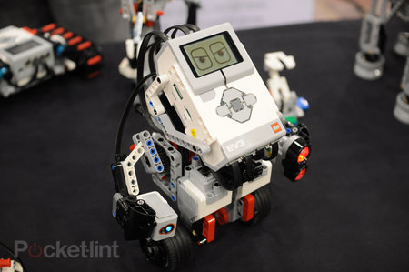Lego Mindstorms EV3 pictures and hands-on