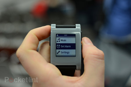 Pebble smart watch pictures and hands-on - photo 6