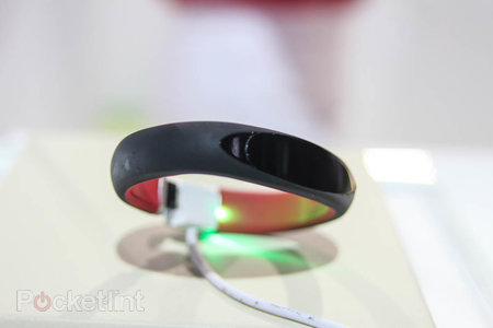 LG Smart Activity Tracker takes on Nike Fuel Band, we go hands-on - photo 5