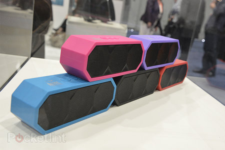 Altec Lansing 'The Jacket' Bluetooth speaker pictures and eyes-on - photo 1