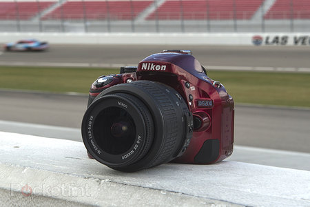 Nikon D5200: Same sharpness issues as some D7000 models experienced? - photo 1
