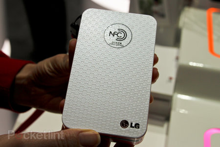LG Pocket Photo Android NFC printer pictures and hands-on - photo 2