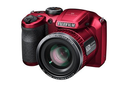 Fujifilm FinePix S4800 offers big zoom for a small price