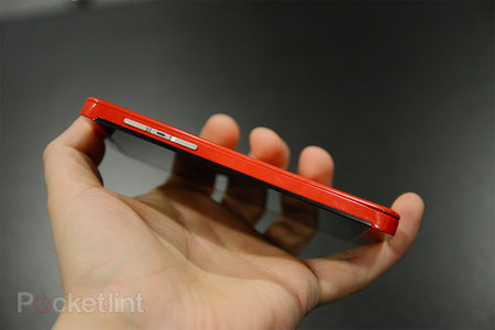 Red BlackBerry Z10 limited edition pictures and hands-on - photo 13