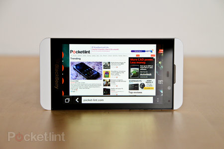 White BlackBerry Z10 pictures and hands-on - photo 13