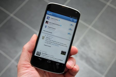 Twitter updates mobile apps with search and discover improvements
