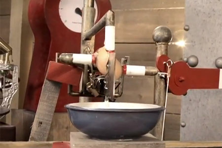 Wallace & Gromit-style Pancake-omatic built for Pancake Day (video)