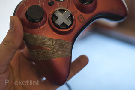 Tomb Raider limited edition Xbox 360 controller pictures and hands-on - photo 6