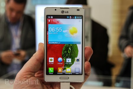 LG Optimus L Series II pictures and hands-on: L3 II, L5 II, L7 II