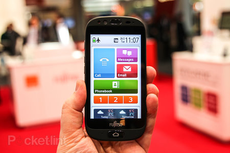 Orange Fujitsu Stylistic S01 pictures and hands-on