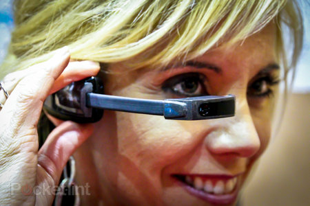 Vuzix M100 Smart Glasses start to ship in race to beat Google Glass to market, to developers initially