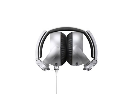 Sony aims at the Beats generation with its bass booming MDR-XB910 headphones - photo 4