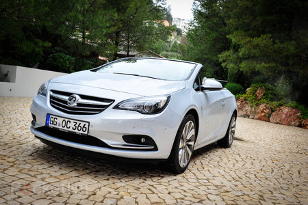 Hands-on: Vauxhall Cascada review - photo 1