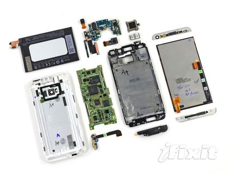 HTC One repairability scores very low, almost impossible to open without damaging