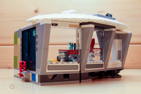 Lego Iron Man Malibu Mansion Attack pictures and hands-on - photo 7