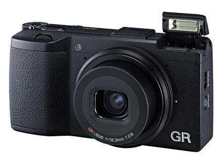 Pentax GR: APS-C sensor, fixed-lens compact camera with £599 price tag makes us want to go 'grrr'
