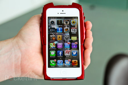 Iron Man Mark VII iPhone 5 case pictures and hands-on - photo 2
