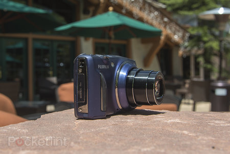 Fujifilm FinePix F900EXR review - photo 2