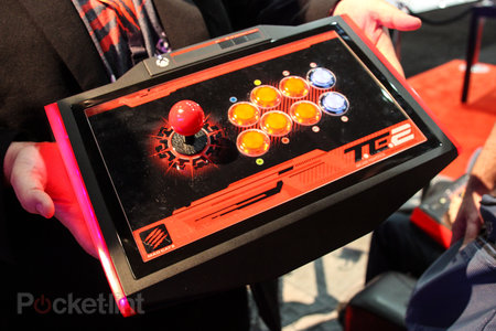 Mad Catz Arcade Fightstick Tournament Edition 2 for Xbox One pictures and hands-on