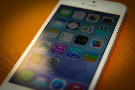 Will iOS 7 work on my iPhone? Which devices support which features