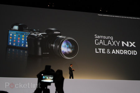 Samsung Galaxy NX official: Interchangable lenses, APS-C sensor, Android 4.2 - photo 1