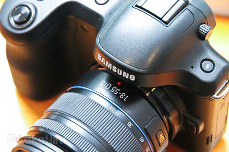 Samsung Galaxy NX UK price revealed, costs the same as forthcoming Canon EOS 70D