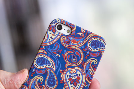 Pretty Green Paisley iPhone 5 Cases pictures and hands-on - photo 3