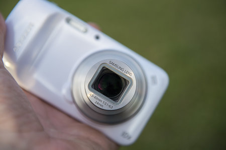 Samsung Galaxy S4 Zoom LTE edition adds 4G to the compact camera phone