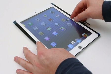 iPad 5 gets a leaked parts video, alleges that the Retina display tablet will be much smaller