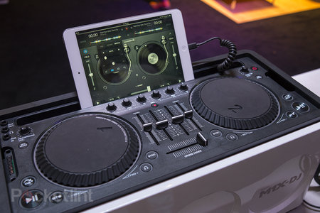 Philips M1X-DJ sound system, we go in the mix with the Armin Van Buuren all-in-one - photo 1