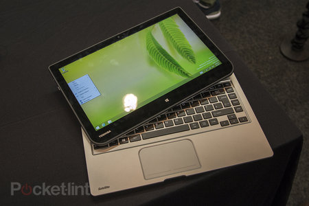 Toshiba Satellite W30t hands-on: laptop-tablet hybrid pushes the budget angle - photo 1