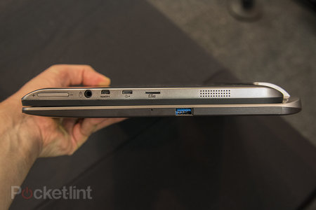 Toshiba Satellite W30t hands-on: laptop-tablet hybrid pushes the budget angle - photo 5