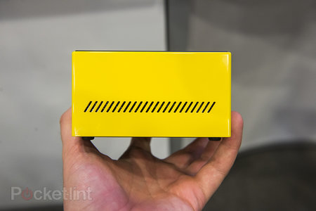 Gigabyte Brix pocket gaming PC with Intel Iris Pro graphics, looks slick in yellow - photo 4