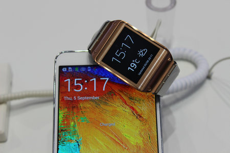 US carriers AT&T and T-Mobile to start Galaxy Gear and Galaxy Note 3 pre-orders this week