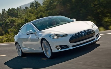 Telsa planning self-driving electric vehicle