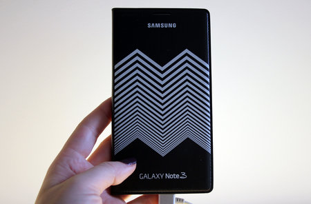 Nicholas Kirkwood Samsung Galaxy Note 3 cases: Hands-on with hypnotic chevrons - photo 1