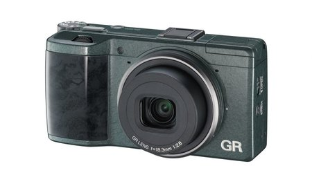 Ricoh GR goes limited edition with green 'wave-patterned' body, only 5,000 available - photo 1