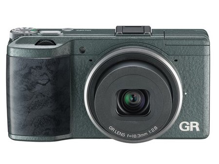 Ricoh GR goes limited edition with green 'wave-patterned' body, only 5,000 available - photo 5
