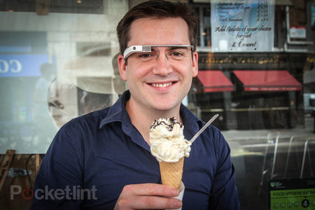 Google: Explorers can swap Glass for new one, invite friends to buy