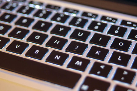 Apple aware of MacBook Pro keyboard and trackpad issues, working on fix
