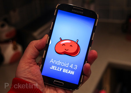 Android 4.3 Jelly Bean arrives on UK Samsung Galaxy S4 handsets: Brings Galaxy Gear support