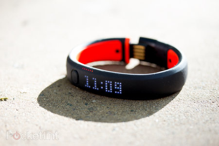 Nike+ FuelBand SE now available from Apple's website