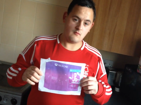 Teen buys £450 Xbox One on eBay and only receives photo of console