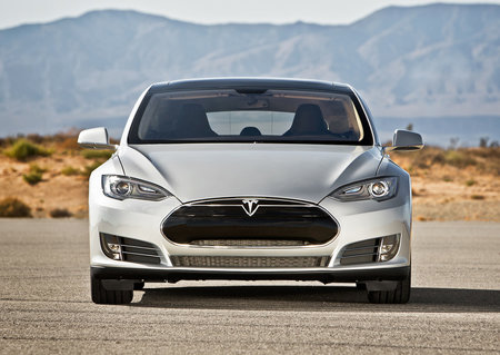 Tesla Model S gets rare near-perfect customers' satisfaction score