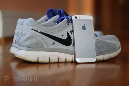 Top 5 apps to turn your iPhone 5S into a fitness tracker