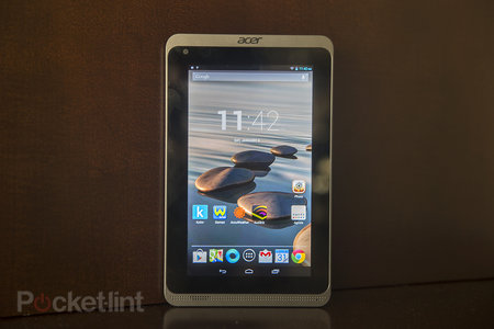 Acer Iconia B1-720 (2014) pictures and hands-on