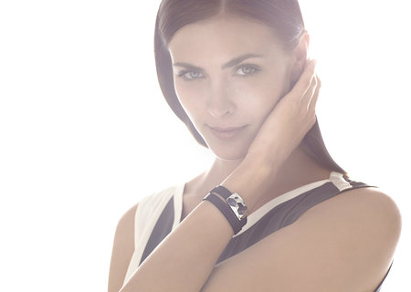 Netatmo June smart bracelet helps regulate sun tans and avoid the burn