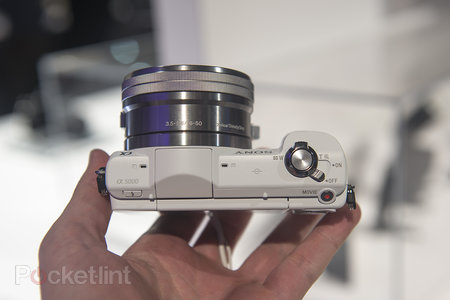 Hands-on: Sony Alpha A5000 is small yet mighty - photo 4